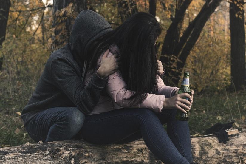 female-alcoholism-2847443